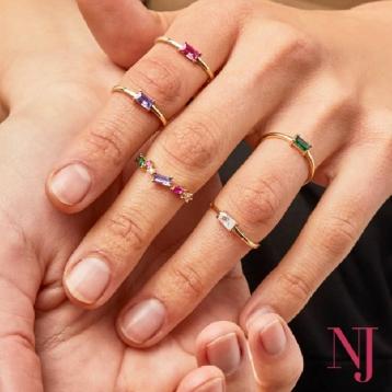 ¡Los anillos Splendid van a ser un must para este verano! 🙌 Sus piedras de colores quedan increíble combinadas 🤩 👉🏼Anillos a partir de 12,90€ ✔️Plata de Ley 925 • • • #regalosespeciales #caravaca #cehegin #moda #comerciodecaravaca #tendencia #bullas #caravacaOn #moratalla #pequeñocomercio #nuevajoyeriacaravaca