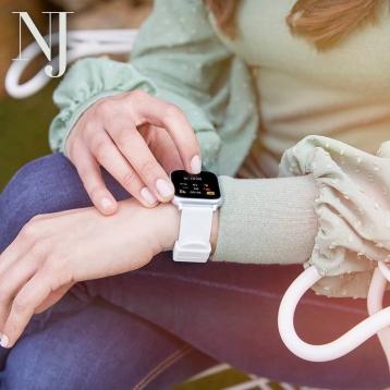 Es hora de estar conectado con tu smartwatch 🌈😉 Encuentralo en nuestra tienda fisica o en nuestra pagina web tenemos todos los modelos y colores. • • • #smartwatch #relojmoda #relojinteligente #caravaca #caravacaon #cehegin #regalos #regalocomunión #bullas #moratalla