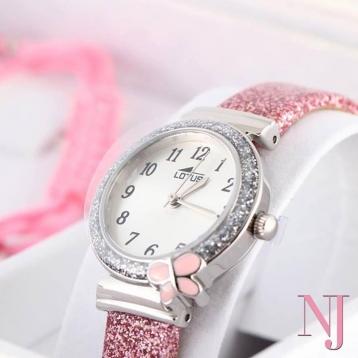 La Colección Junior Lotus Watches incluye relojes tan bonitos como este para niña. Ideal para Primeras Comuniones, cumpleaños o, simplemente, para hacerle un regalo que jamás olvidará!! 🎀 • • • #caravacadelacruz #cehegin #comunion2021 #relojcomunion #bullas #pequeñocomercio #moratalla #nuevajoyeriacaravaca #comerciolocal
